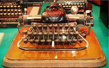 Second (2021) edition of the international competition for short stories on the industrial heritage 'máquinas y palabras' [machines and words]